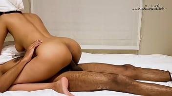 หนังxอาหรับ แขกอินเดียรับงานถึงที่ มาเย็ดหีในโรงแรม นอนไซร้คอดูดปากอย่างเมามันส์ นั่งโยกควยเย็ดหีเสียวน้ำออก