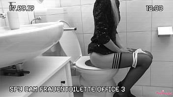 Melly secretly filmed in the office toilet. Colleague fucks the freshly pissed pussy. Spy Cam Office 3