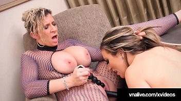 Watch my tits for free - Hot babe carmen valentina is tongued by sara jay
