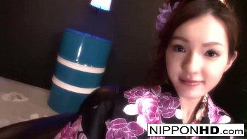 Gorgeous Asian strips off her kimono to have some fun