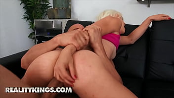 (Jmac) Cant Wait To Put His Hard Cock Inside The Sweet (Bella Janes) Pussy - Reality Kings