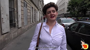 Sexy chubby Adèle comes to get fucked in the ass before to get an interview