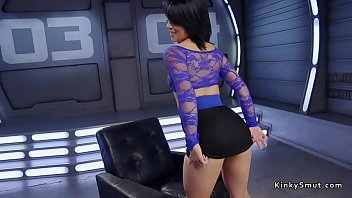 Big ass brunette gets machine in the ass
