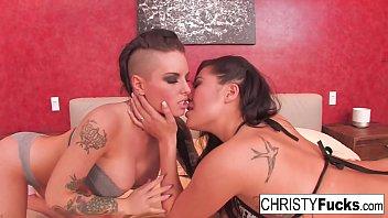 Hot Christy Mack and London Keyes take on Ramons huge cock