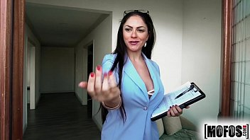 Mofos.com - Marta La Croft - Sex Tapes latini