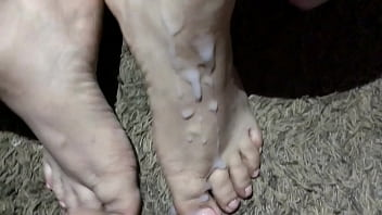 Cumshot on her hot sexy feet (Pink Toes)