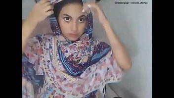 young arab solo masturbating anal fingering -- her online page - xxxcams.site/hyo