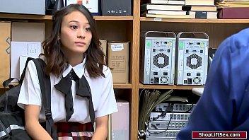 19yo Asian Schoolgirl Sucks Guards Cock