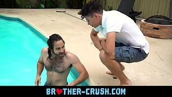 Hairy older brother cums on y. sibling's face