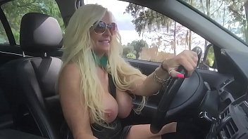 Kelley Cabana Playing with her Pussy as she Drives in Traffic