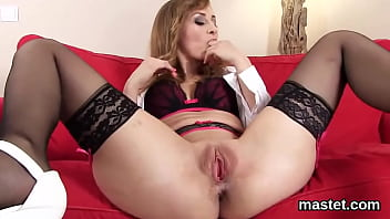 Peculiar czech girl gapes her wet vagina to the strange