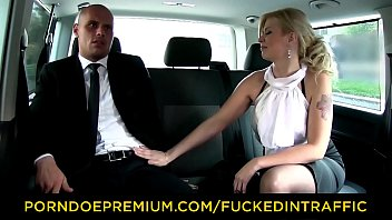 VIP SEX VAULT - Big ass blonde Barbara Nova rides horny driver Vorschaubild