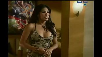 thumb Latina Celebrity Undressing