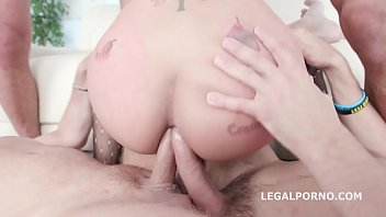 Hard porno fucking Asian hooker jureka del mar farts hard while being fucked by 4