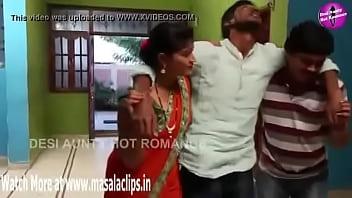 Desi Aged Bhabhi Sex with Young Guy - XNXX.COM 75秒
