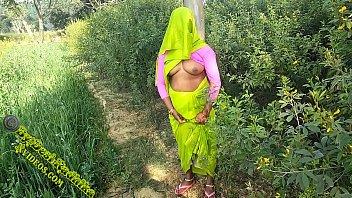 भारतीय युगल इनजॉय आउटडोर सेक्स