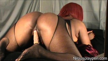 Booty Shaking In Crotchless Body Stocking: Nilou Achtland