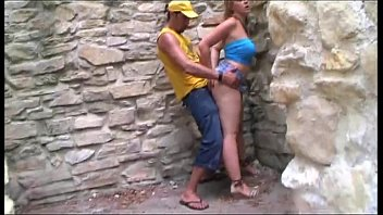 Sexy tourist outdoor banged between ancient ruins