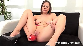 Teen Babe Mia Rose Loves Her Pussy Pump