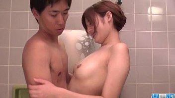 Mind blowing shower sex scenes with Yumi Maeda 12分钟