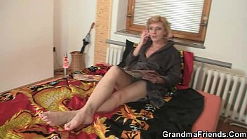 Grannies fuck young men - Two delivery men fuck lonely mature woman