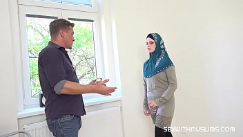 Muslim tenant gets discount in exchange for fuck thumbnail
