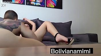 Olha como esse macho bebeu todo meu squirt.... video completo no bolivianamimi.tv 13秒