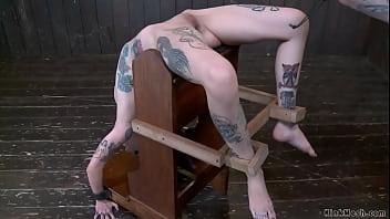 Tiny alt slave in a predicament device