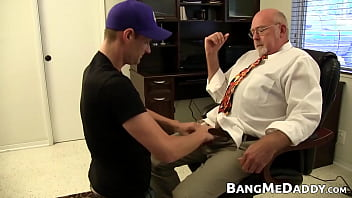 Stud With Cap Sucks Off Mature Dude And Gets Fucked Raw