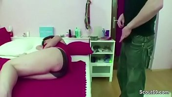 Mom Caught Step-Son Jerk and Helps with Fuck pornhub video