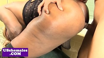 Shemale in atl - Dicksucking black tranny fucked in big booty