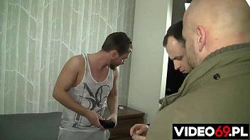 Polskie porno - Nielegalny pobyt