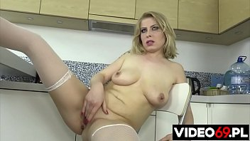 Polish porn - MILF in the kitchen