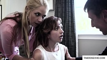 Parents force daughter(娘) to suck dick - XVIDEOS.COM