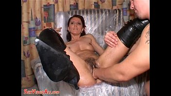 Fisting MILF Pissing