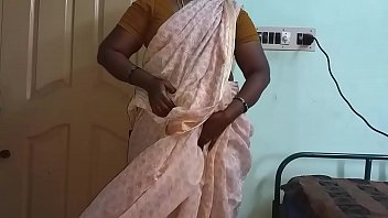 Indian Hot Mallu Aunty Nude Selfie And Fingering For  father in law thumbnail
