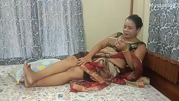 德西印度妈妈和她儿子的朋友 14分钟