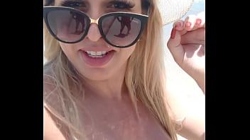 Mirella Mansur na praia de  nudismo Abricó no Rio de Janeiro 68秒