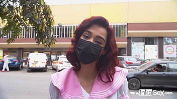 De esta manera engañas a una TIMIDA OTAKU VENEZOLANA a pasar una entrevista laboral por las calles de Lima.