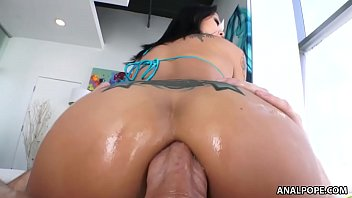 Smiley asian Saya Song enjoys anal pounding 6 min