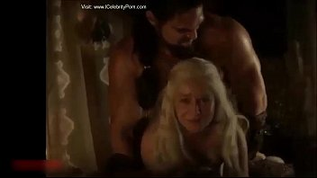 Ulitmate porn games - Hot sexy game of trone emilia clarke porn xxx hot pics video
