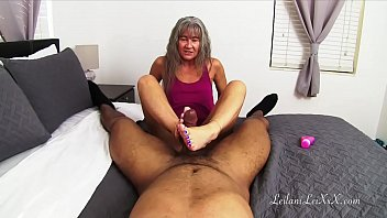 Naked amateur girls with tans - Blue toes drain a bbc trailer