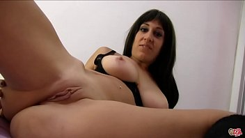 Double penetration to the French Eloa Lombard. What a woman !!!!