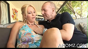 Am porn free vids - Hawt mom gets joy of cock