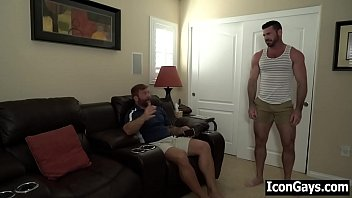 Gay daddy roommates fucking after a fight porno izle