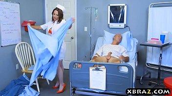 Big ass nurse beauty Lily Love rides patients big dick 6分钟