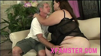 Small amateur Filly Stepsister eager to swallow last drop of facial cumshot