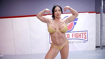 London River fighting Brandi Mae in lesbian wrestling with face sitting and a hard strapon fuck 13分钟