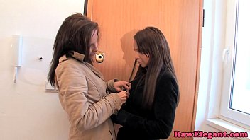 Glamour dykes toy ass after oral fun 10分钟