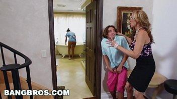 BANGBROS - Stepmom threesome with the Latina maid Abby Lee Brazil porno izle
